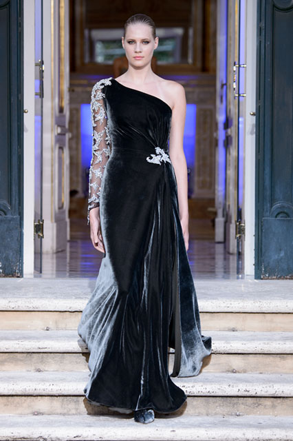 timeless design 5d14b 0ce28 Nero, grigio e argento per i nuovi abiti di Renato Balestra ...